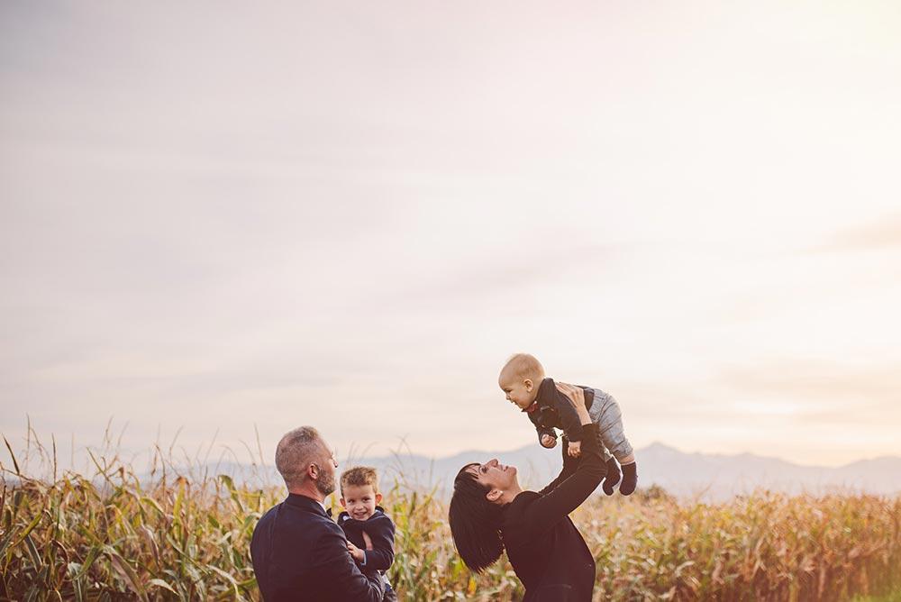 Servizio fotografico bambini fotografo ritratti famiglia studio fotografico ritratto foto bimbi family portrait teramo pescara abruzzo