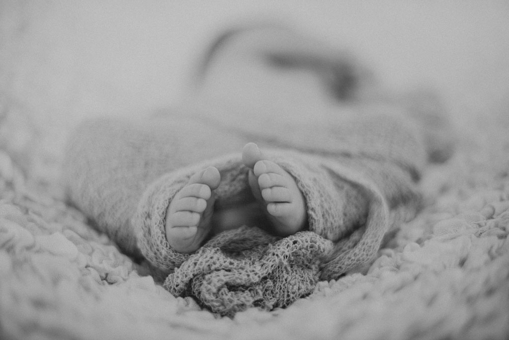 Servizio fotografico maternity maternità gravidanza studio fotografico neonati ritratti famiglia family portrait fotografo newborn foto bambini teramo pescara abruzzo